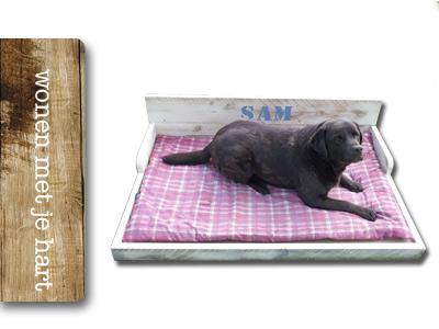 Steigerhouten hondenbank Sam 80×130
