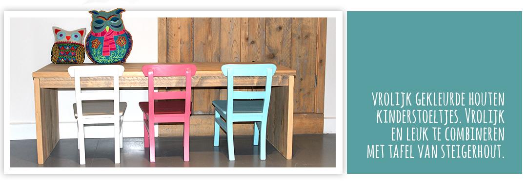 houten kinderstoeltjes in diverse kleuren